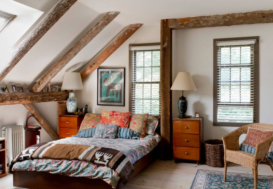 Cozy bedroom design with exposed beams. 20 Dreamy Boho Room Decor Ideas
