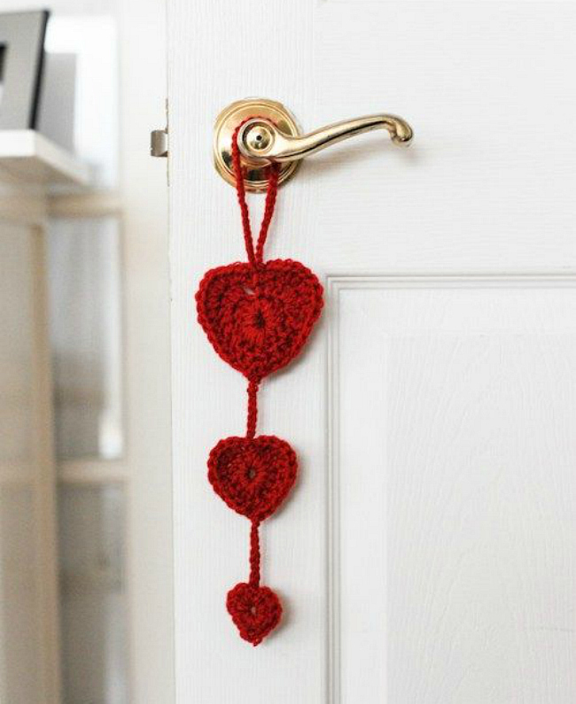 Crotchet heart door hanger