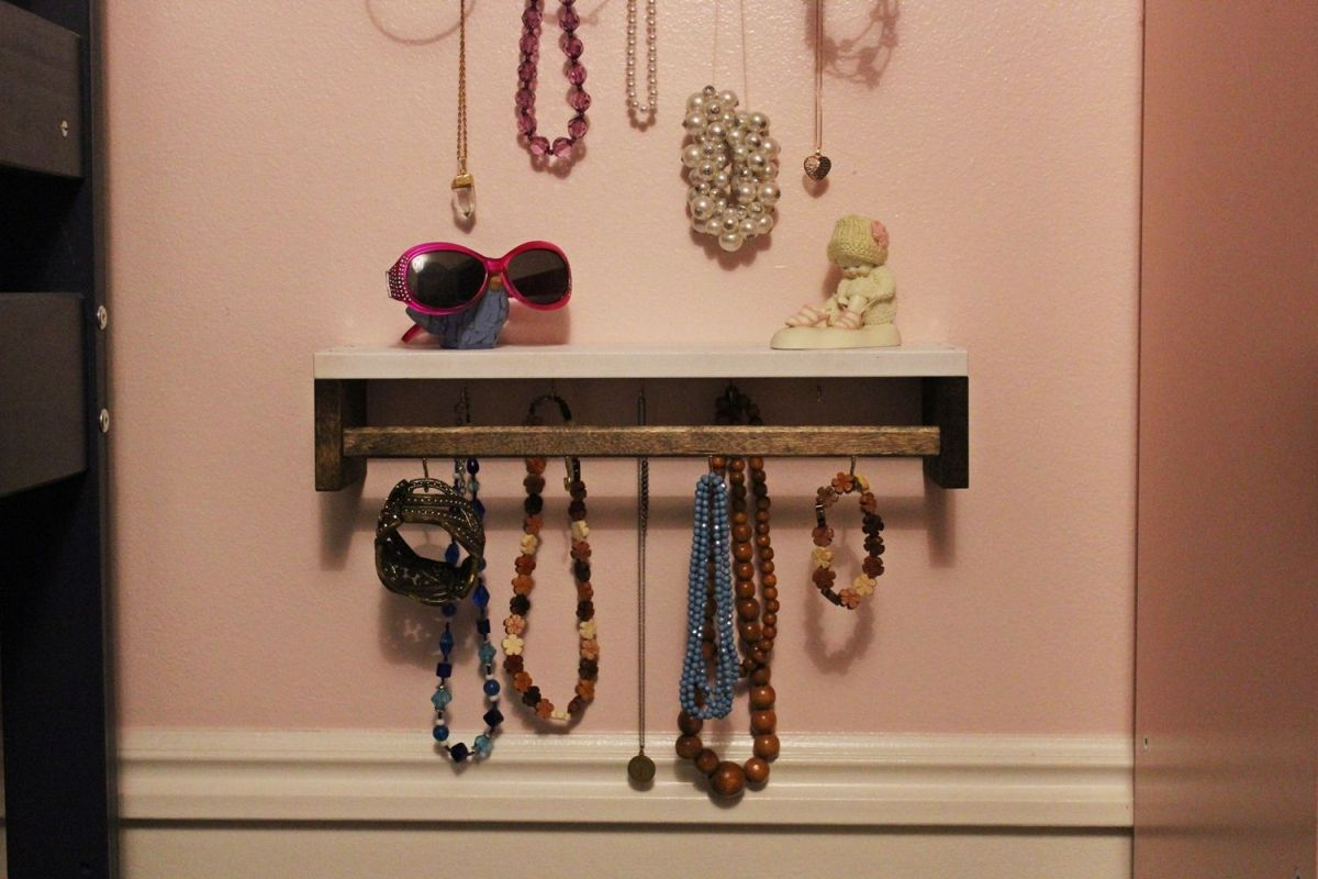 DIY Jewelry Holder Organization