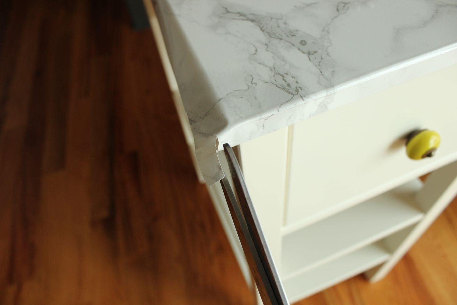 DIY Marble Contact Paper - attention to corners