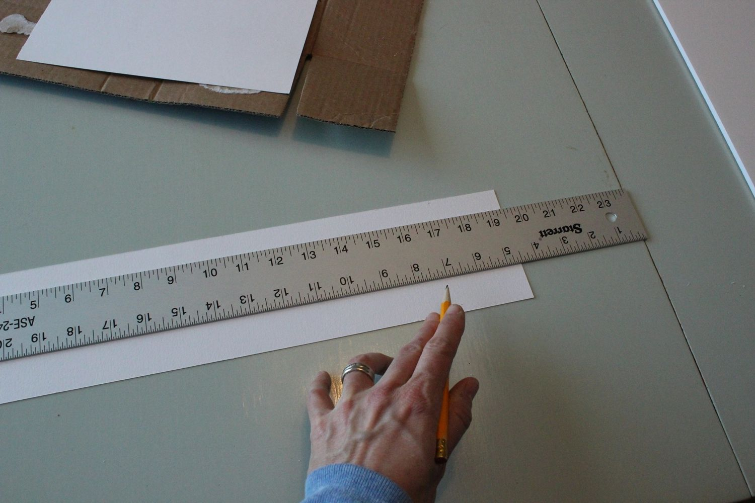 DIY Marquee Sign - arrow measure