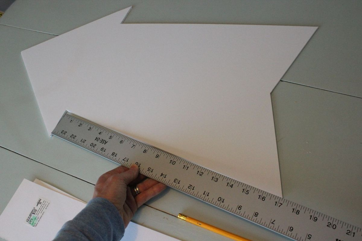 DIY Marquee Sign - measure on edge