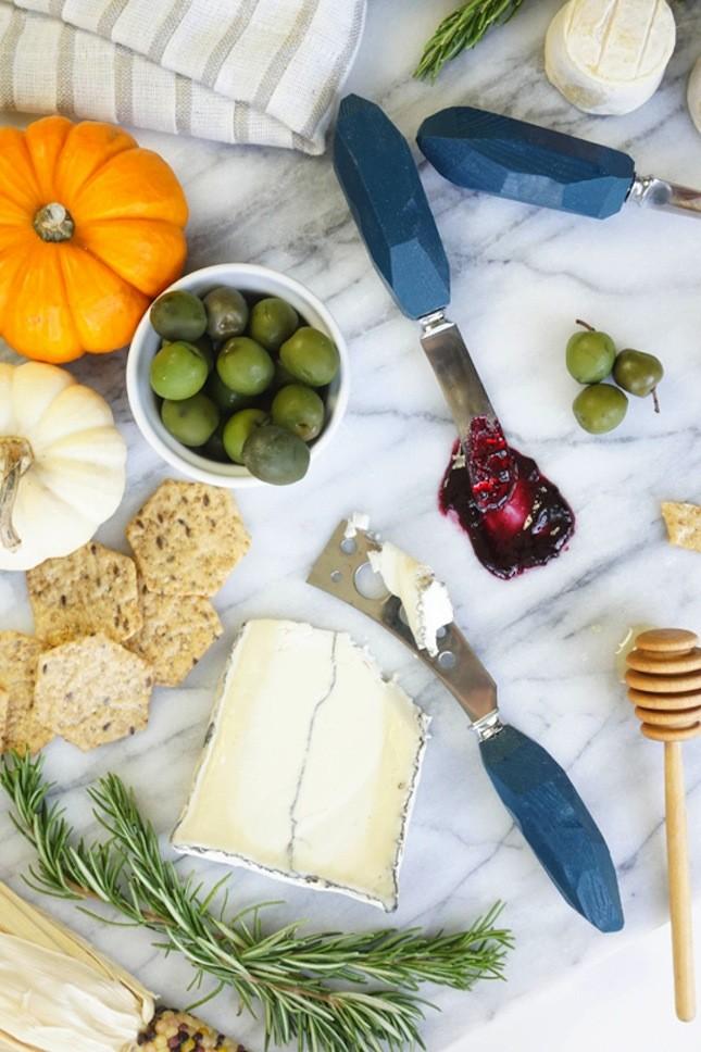 DIY cheese knife