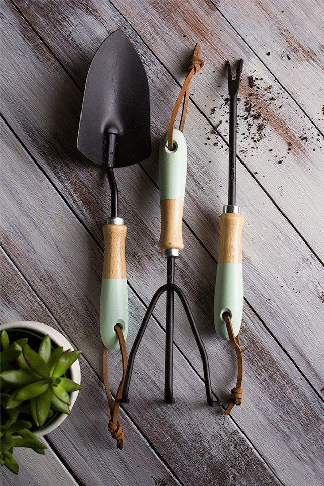 DIY dipped garden tools