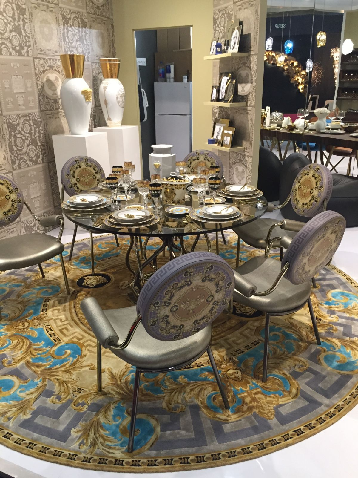 Damask patterns for dining room