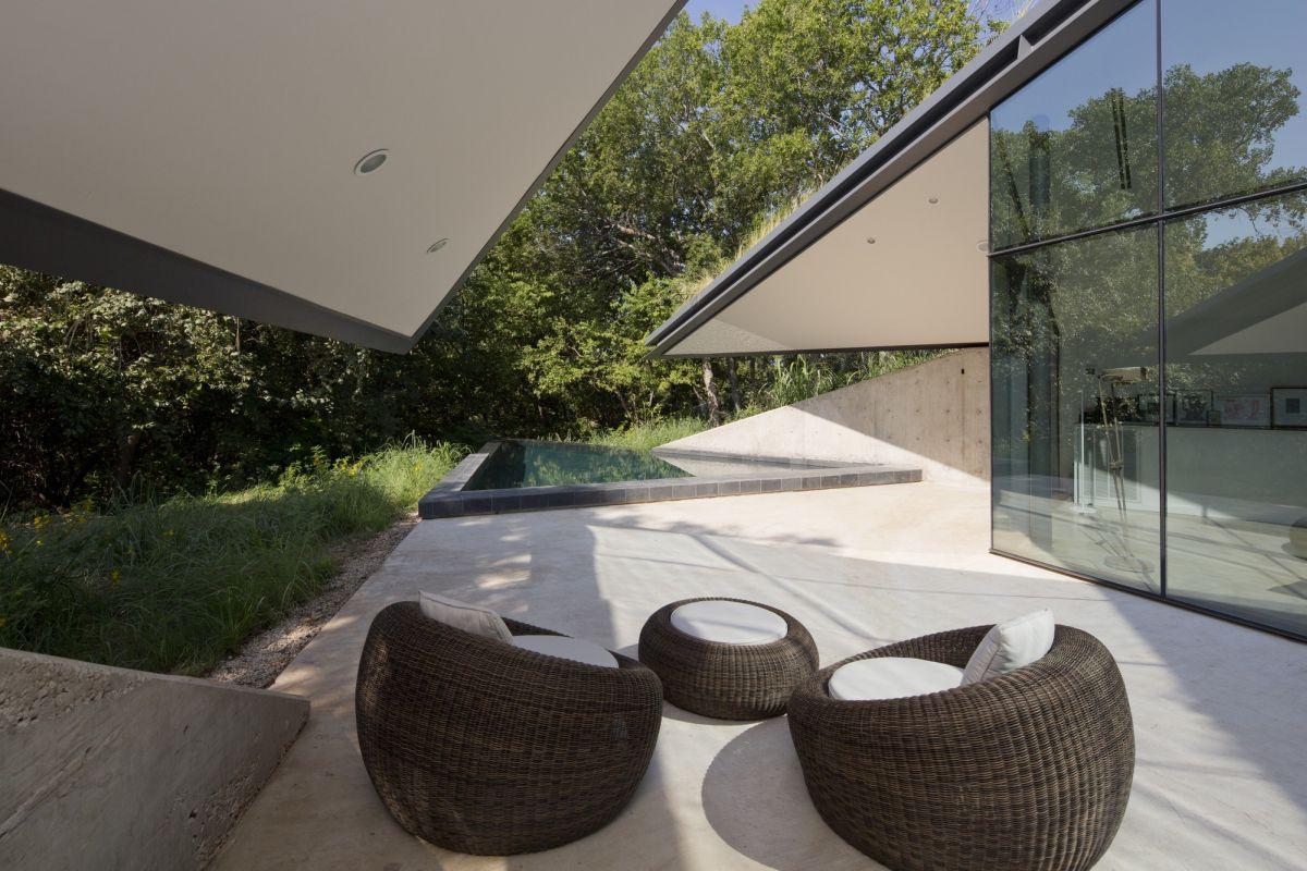 Edgeland House from Bercy Chen Studio Porch
