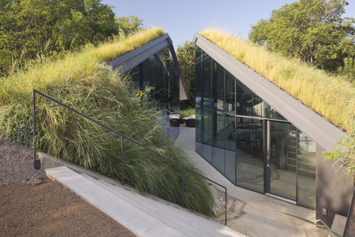 Edgeland House from Bercy Chen Studio Roof