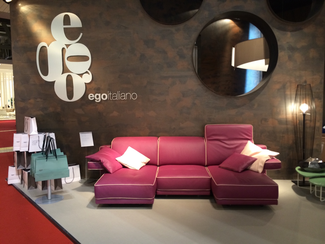 This awesome sofa from Ego Italiano combines two of the 2016 trends: Pink and leather. It's definitely a bold move!