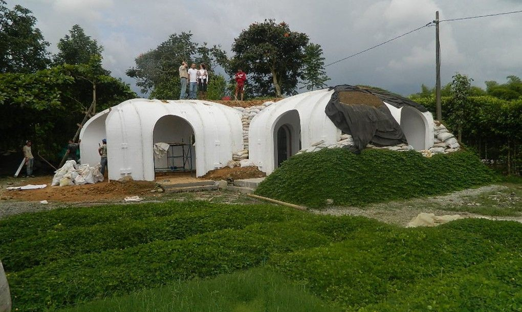 Green-roofed Hobbit home Process