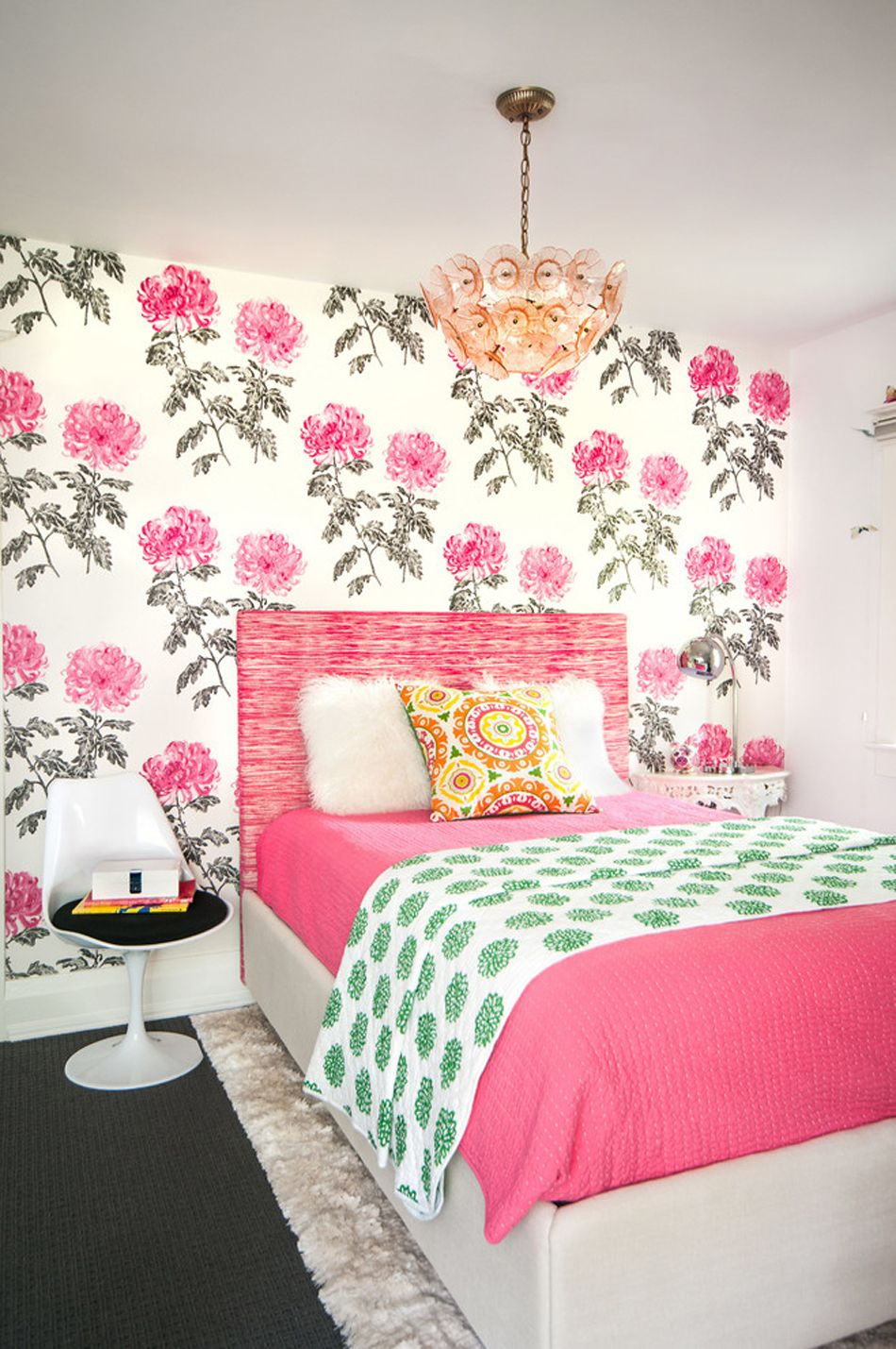 Hand Drawn Wallpaper for a feminine bedroom