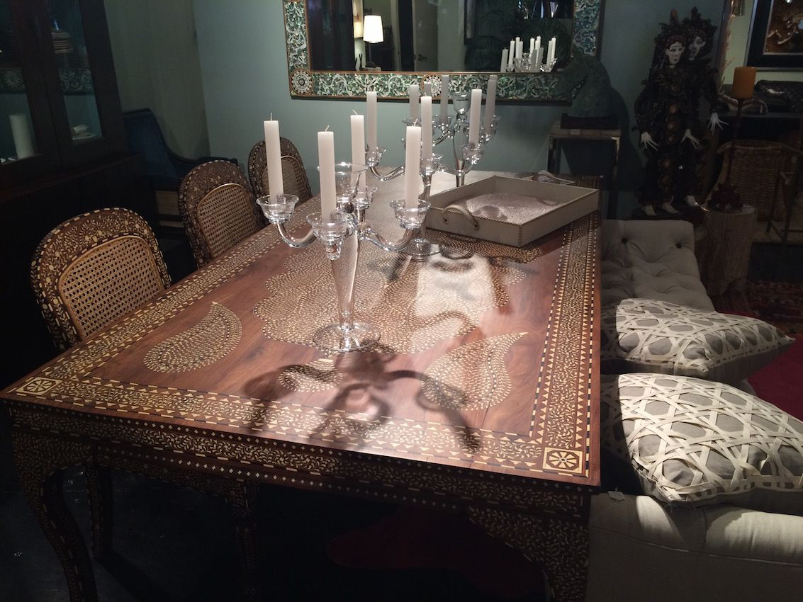 Inlay dining table design