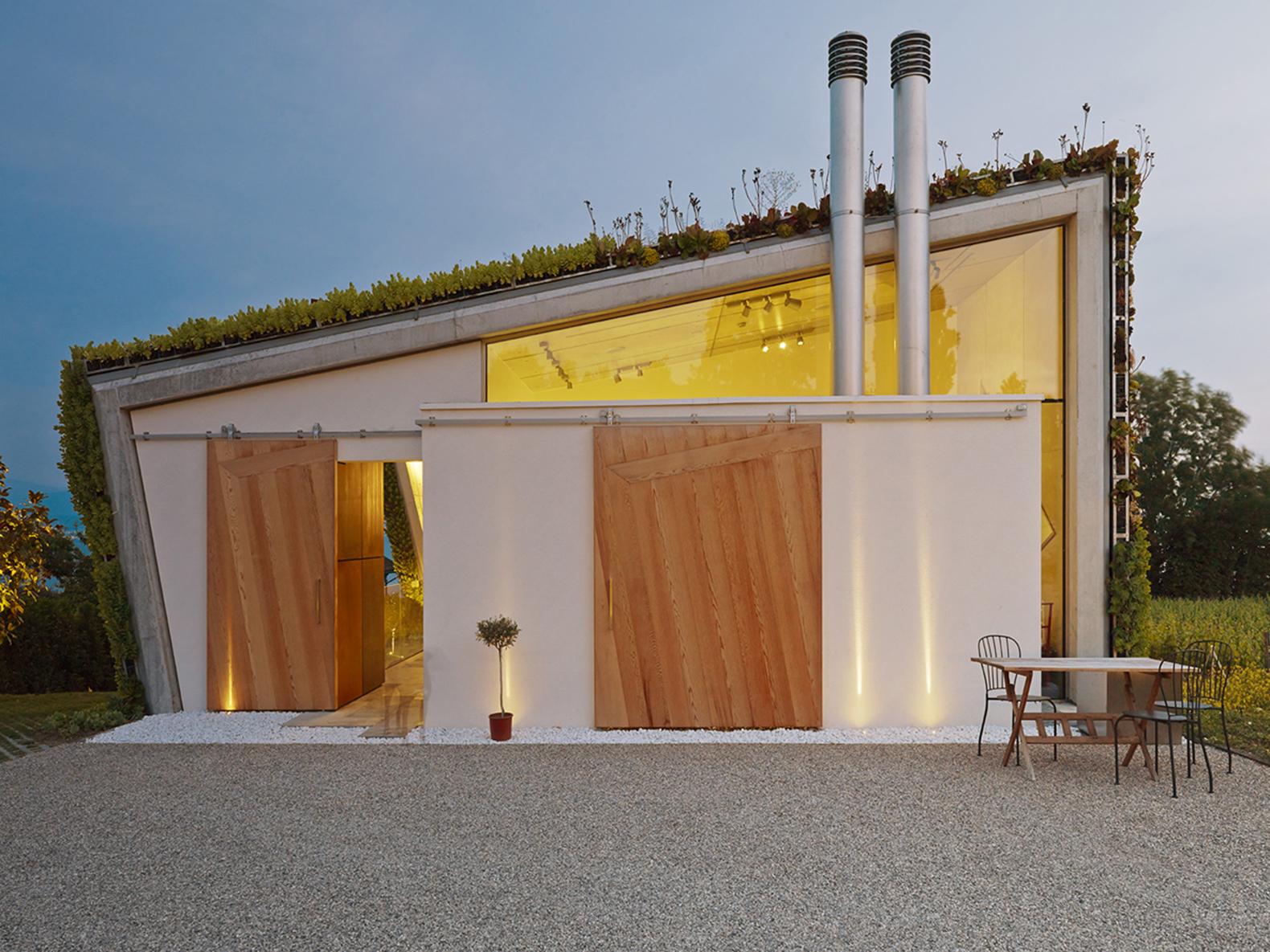 Jewel Box Villa in Switzerland A shaped