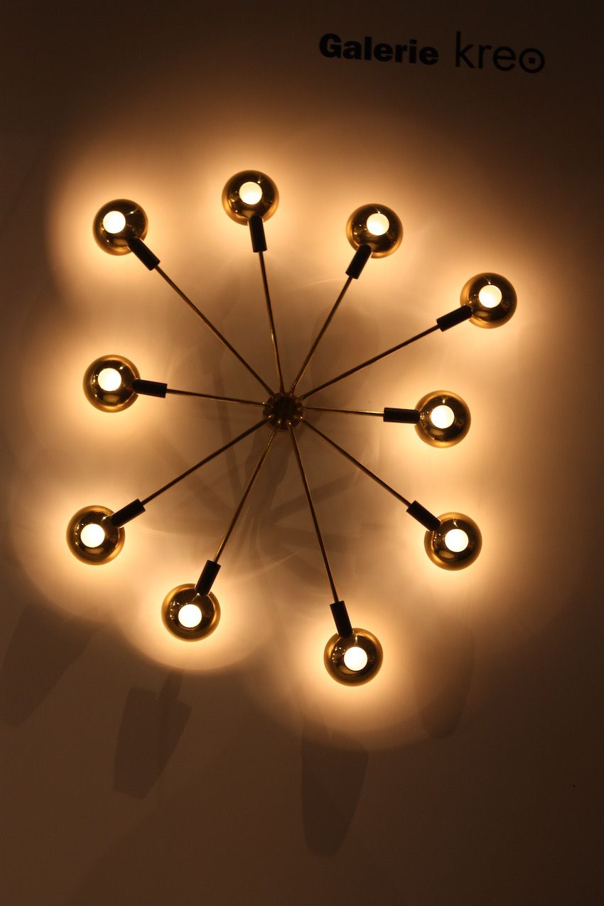 Burst lighting fixture