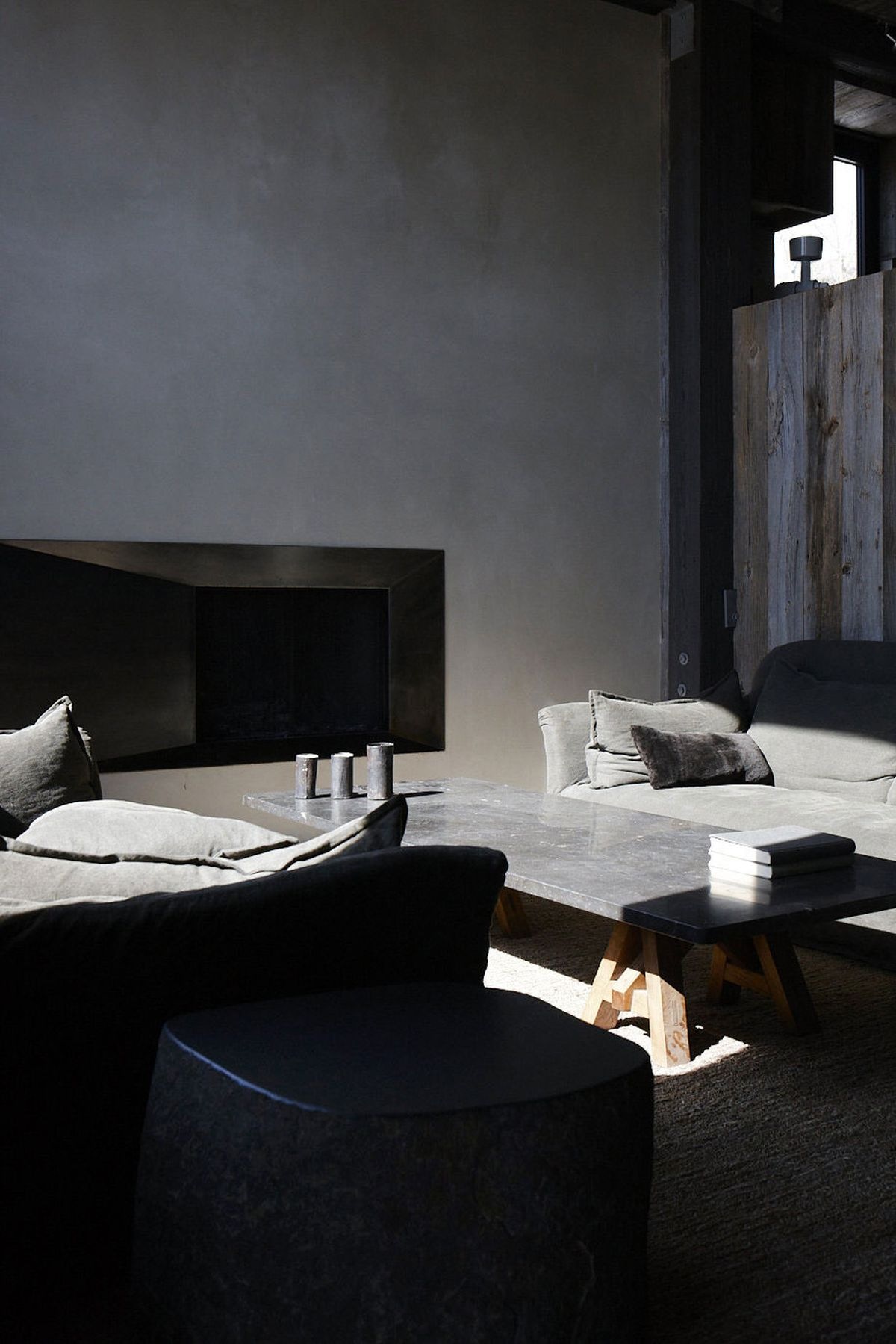 La Muna ski chalet dark and comfortable decor