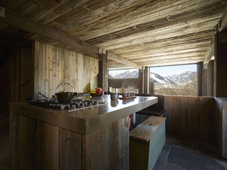La Muna ski chalet kitchen low ceiling