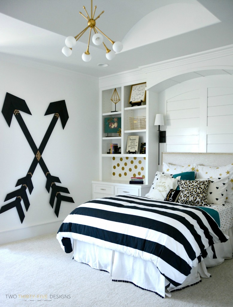 Amazing Modern Teen Girl Bedroom With Stripped Bedding