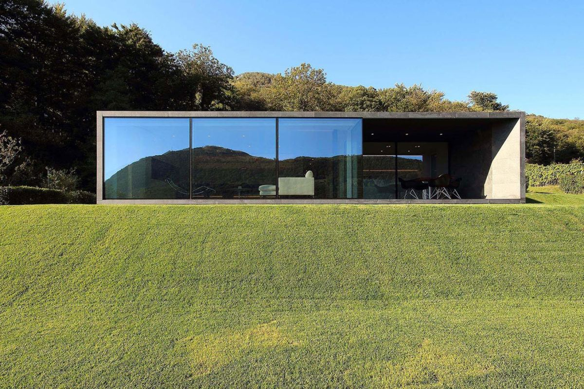 Montebar Villa in Swiss Alps glass facade