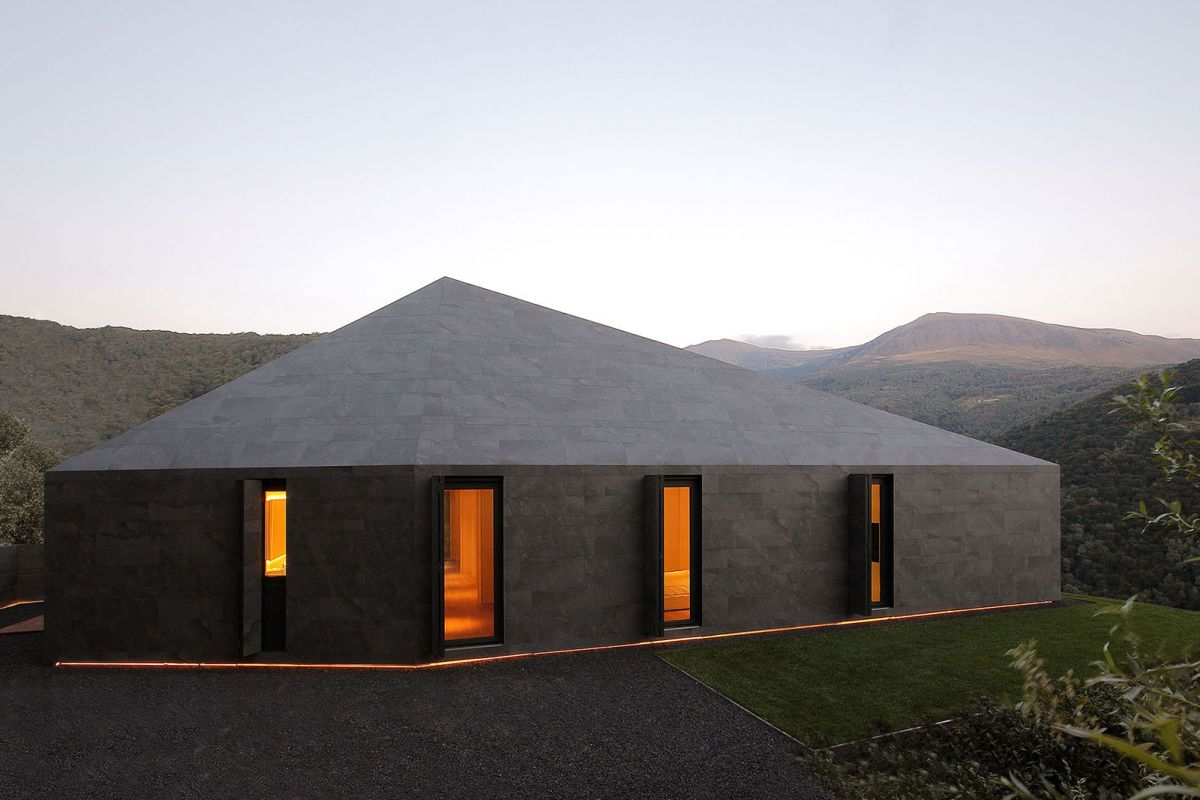 Montebar Villa in Swiss Alps matching roof and facades