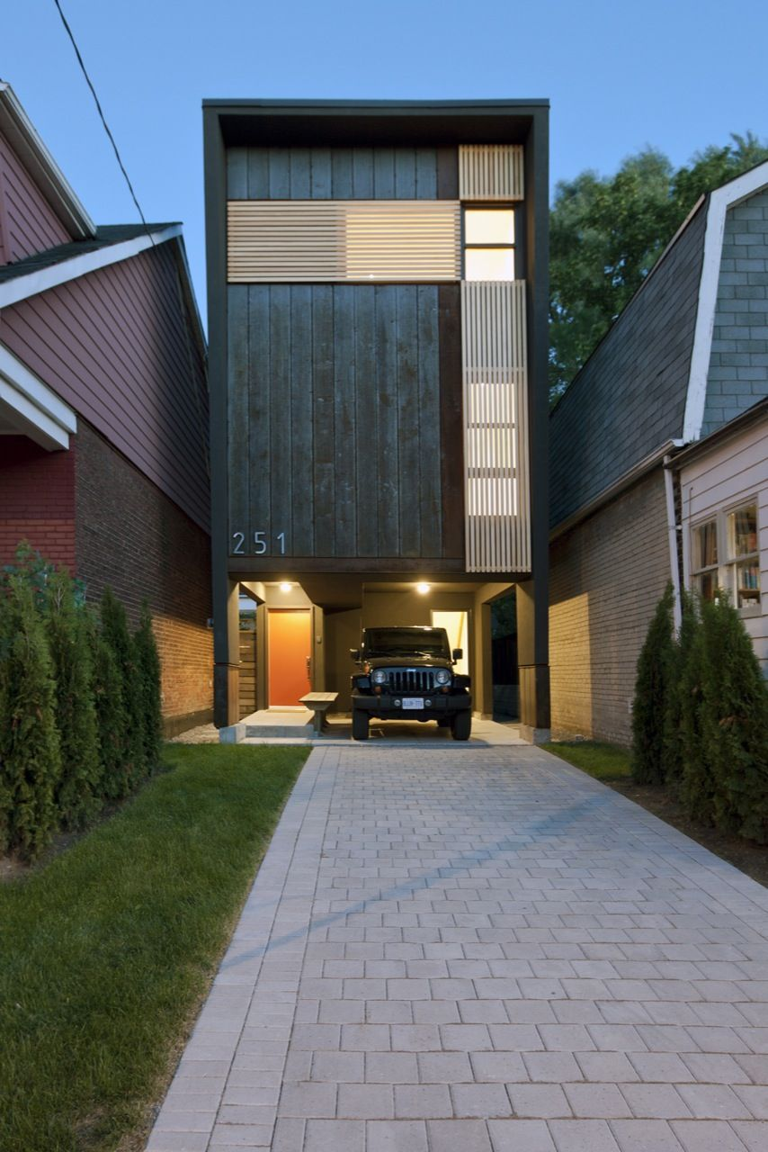 11 spectacular narrow houses and their ingenious design Skinny block house designs