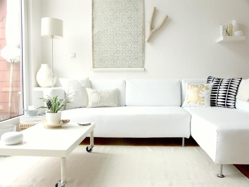 Utilize what you 39 ve got with these 20 small living room for Small neutral living room ideas
