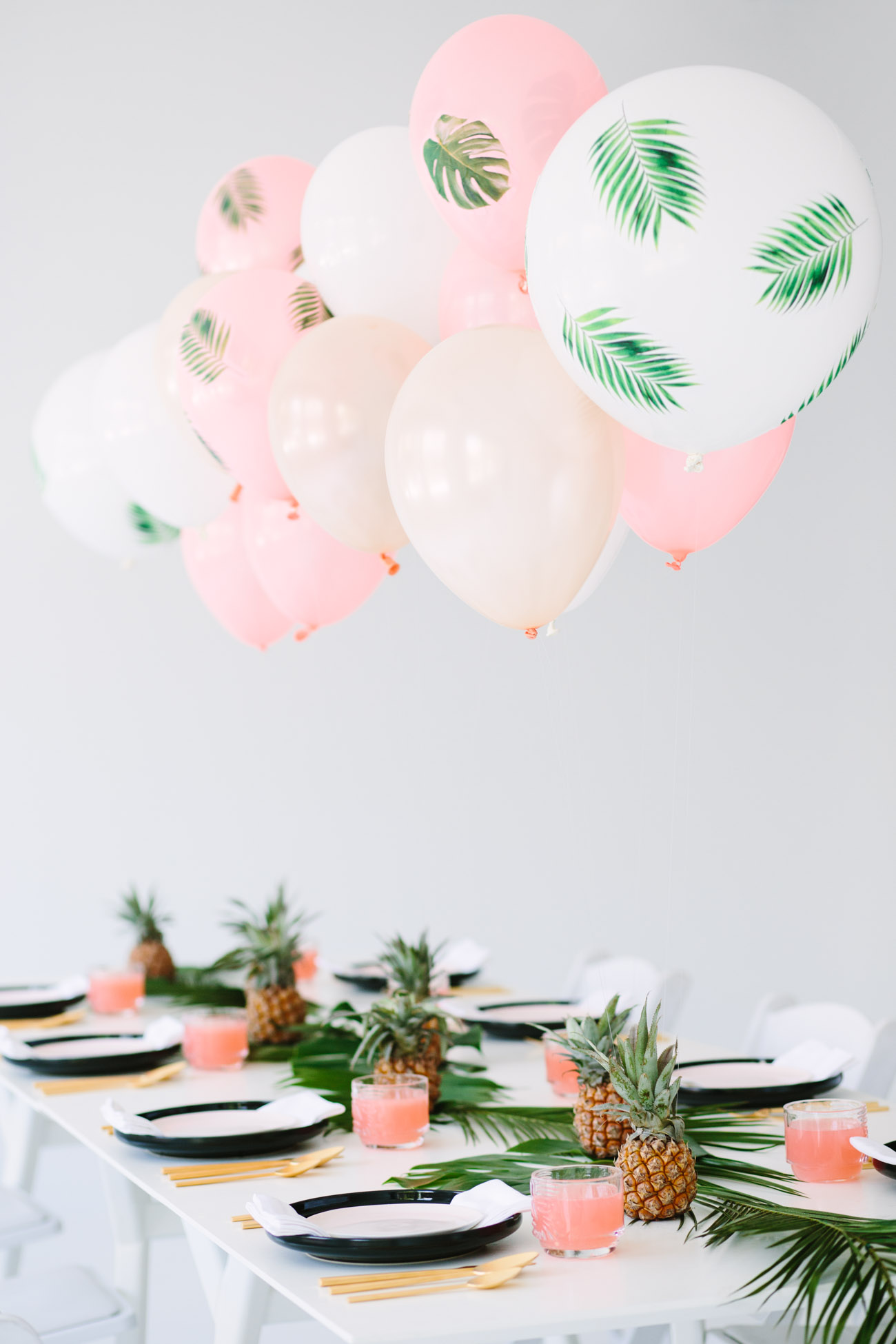 Palm Fronds Balloons