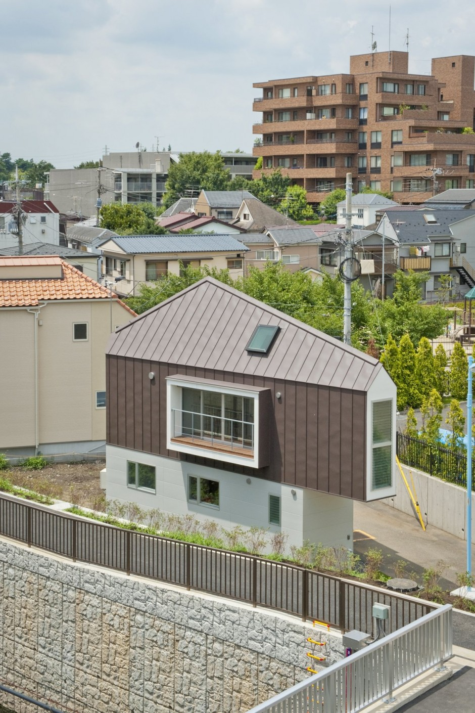 River Side House in Horinouchi Outside