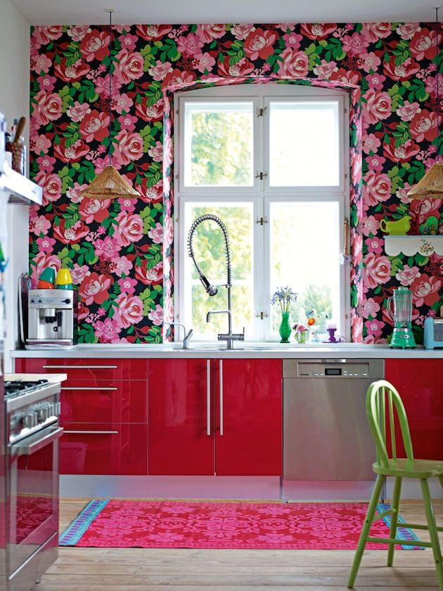 Rosey kitchen wallpaper