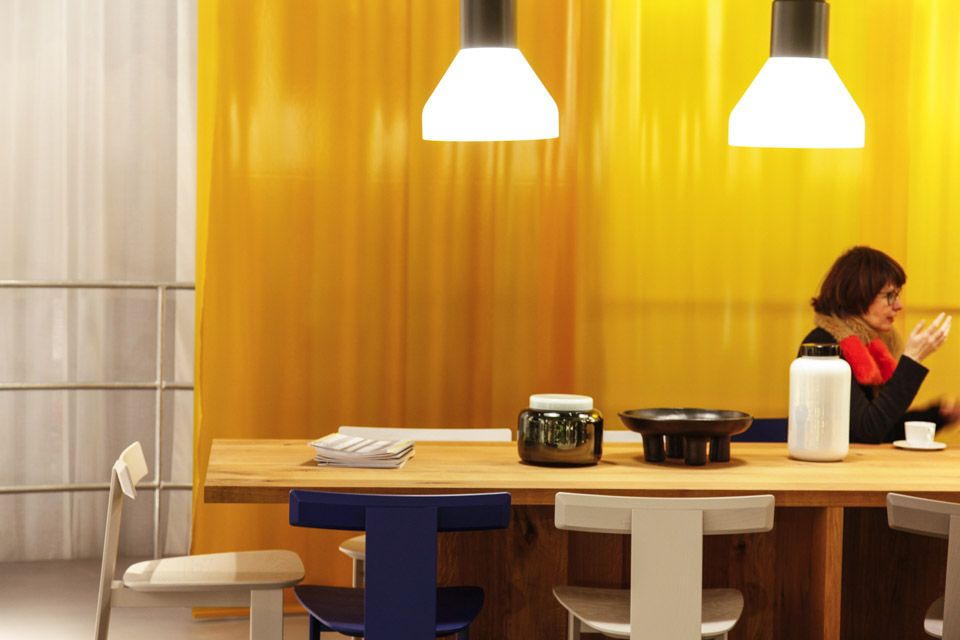 Yellow plastic sets of the table from E15