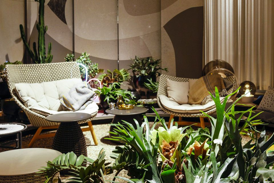Amongst the plants at the enticing green core of Das Haus