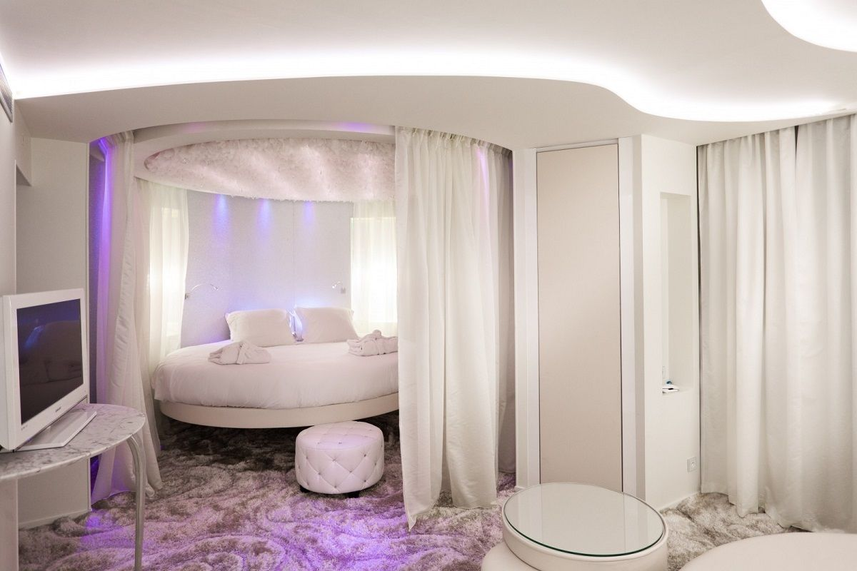 12 Luxury Hotels And Resorts With Awesome Bedroom Designs