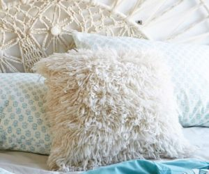 25 Throw Pillows: Winter Edition