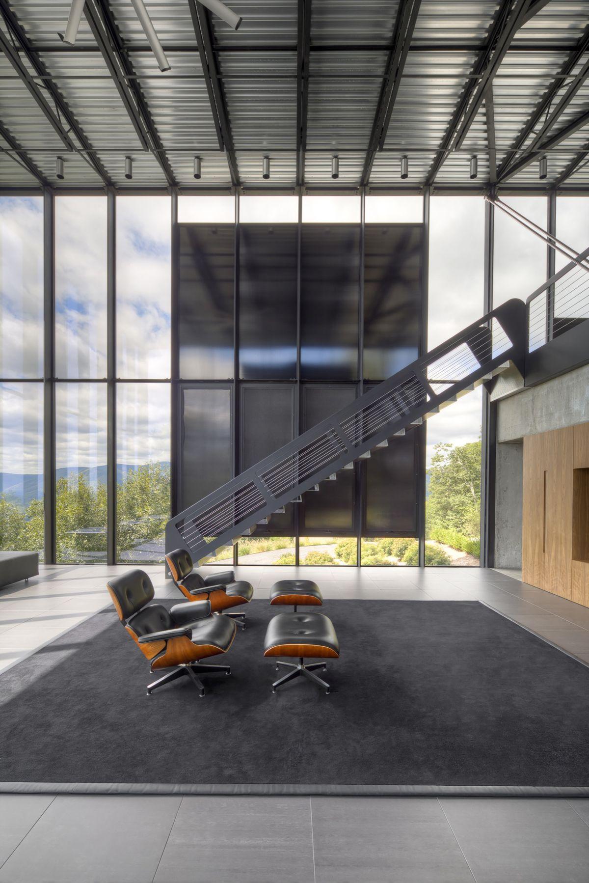 Shokan house jay bargmann living room eames chairs