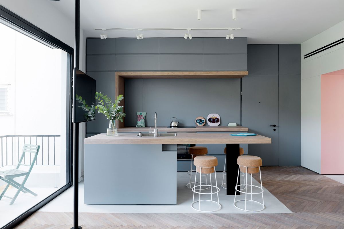 Beau Small Apartment Remodel In Tel Aviv Kitchen Island