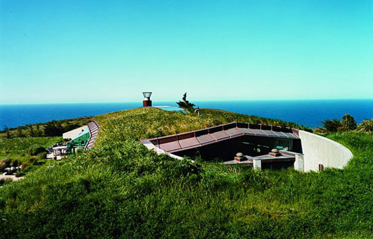 Sustainable home in California Green Roof
