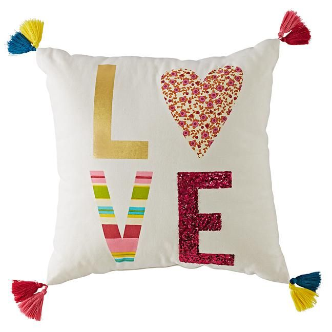 Tassel love throw pillow