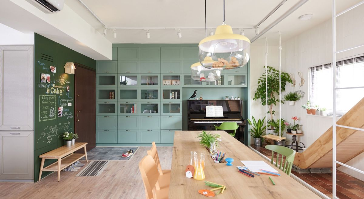 The Family Playground dining room pendant lamps