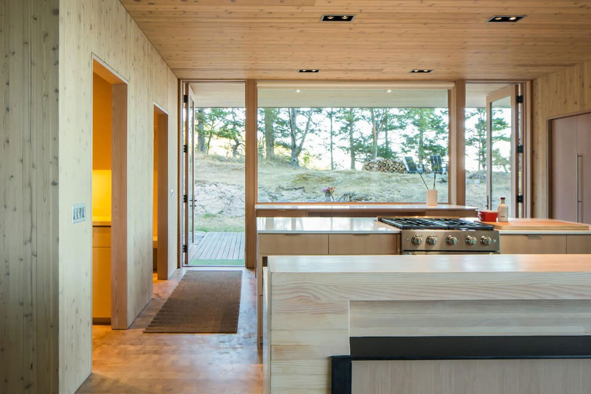 The Lone Madrone retreat kitchen design