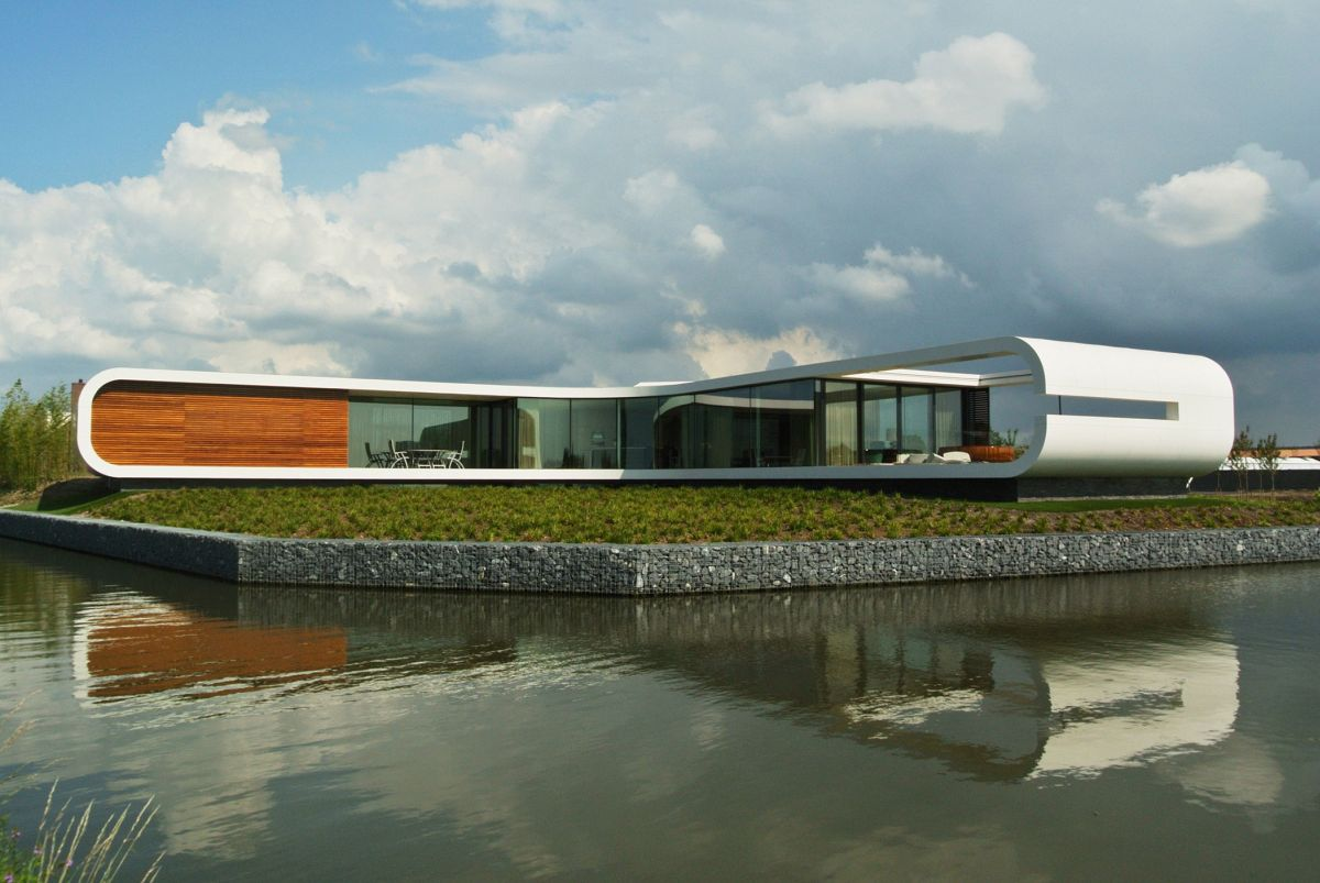 Villa New Water by Waterstudio.NL connection to water and garden