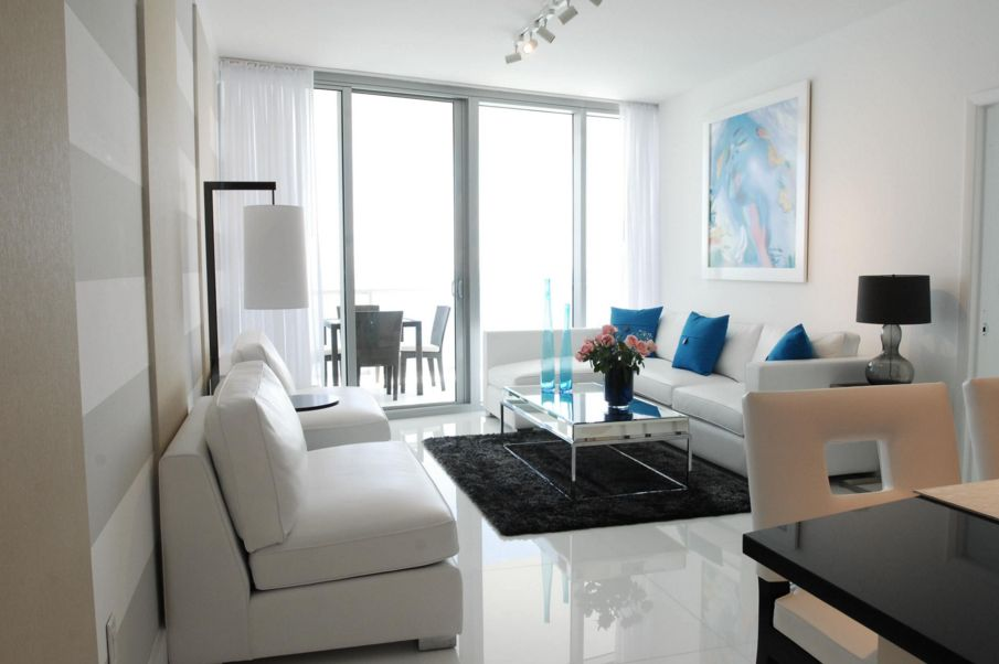 [Image Lizard Management ] Add A Small Black Rug To A Predominantly White  Décor For A Strong Impact