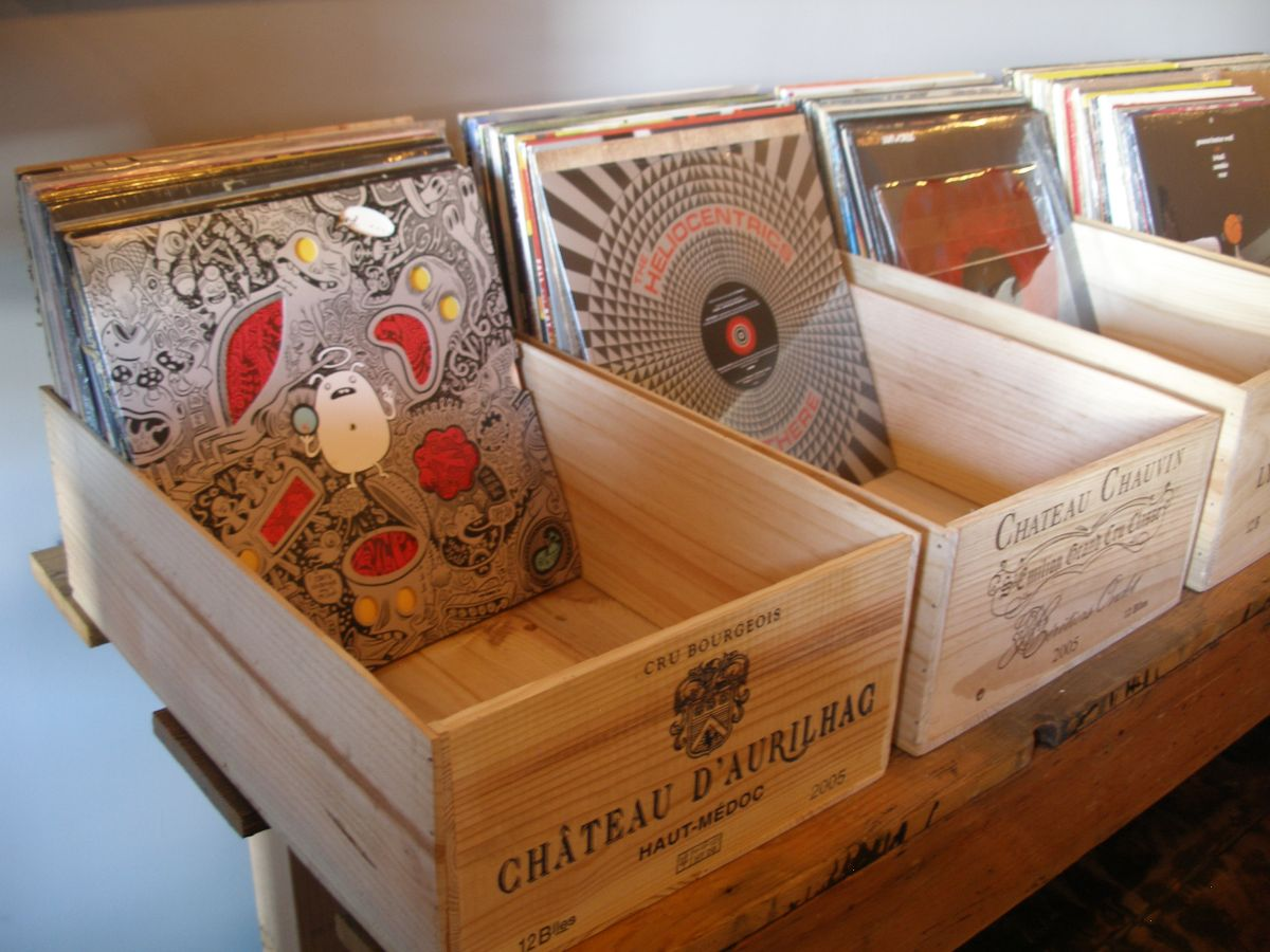 39 wood crate storage ideas that will have you organized. Black Bedroom Furniture Sets. Home Design Ideas