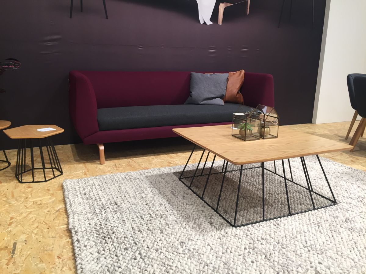 wire base coffee table with purple sofa - Interior Design Floor
