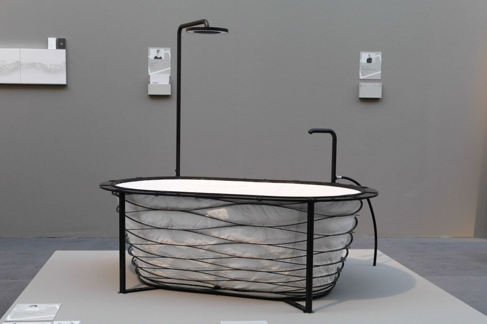 The carbon fibre structure of the tub by Carina Deusch