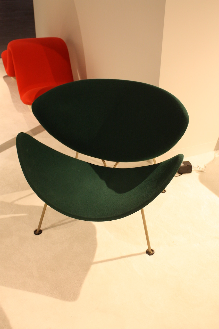 This beautiful modern chair is from the mid-20th Century.