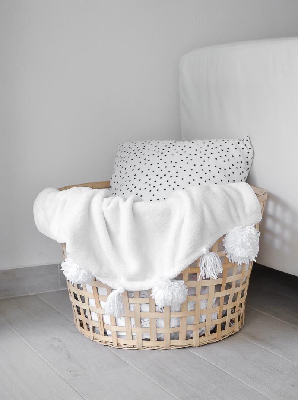 pom pom blanket basket (1 of 1)