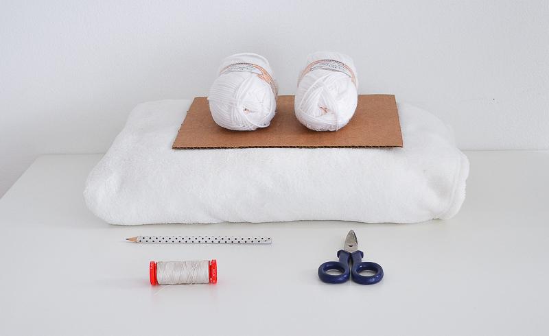 pom pom blanket supplies (1 of 1)