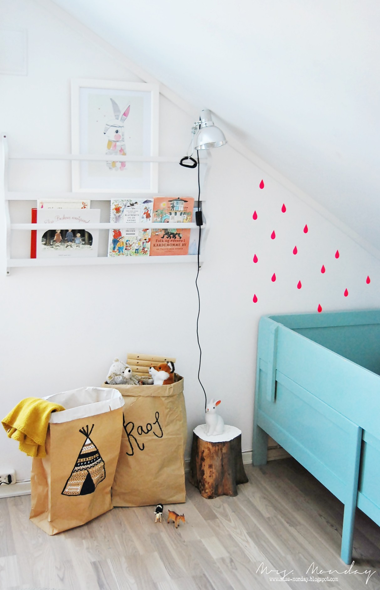 10 DIY Kidsu0027 Storage Ideas