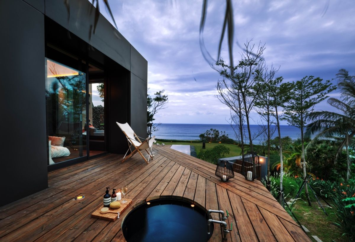 A'tolan house in Taiwan outdoor tub on terrace