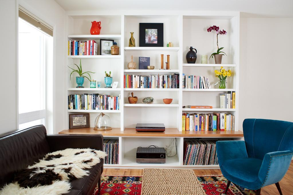 these 20 built in shelves will revitalize alot of space around the house - How To Make Custom Built In Bookshelves