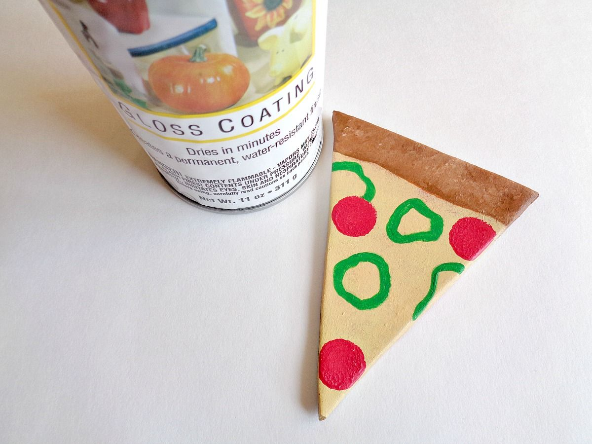 DIY Clay Pizza Slice Coasters - dry paint