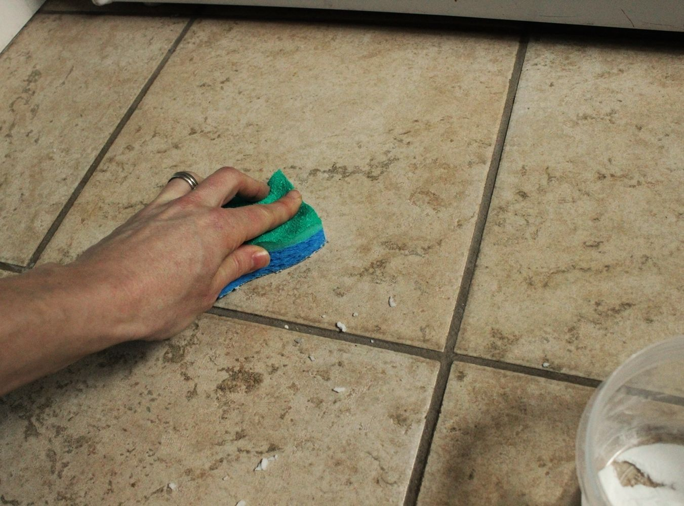 How to clean grout on bathroom floor tiles - Diy Natural Grout Cleaner Clean